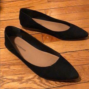 Lucky Brand Bylando Pointed-Toe Flat, Black size 9